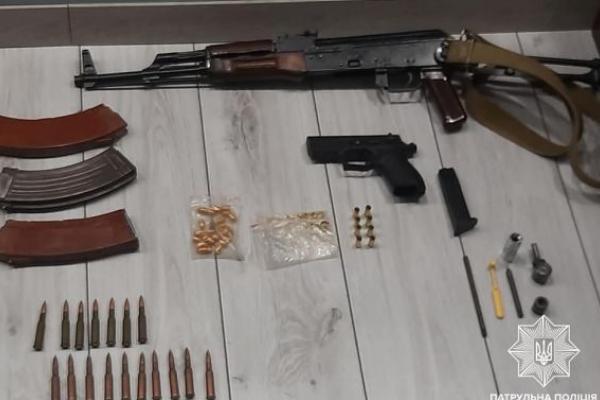 У Сокільниках дружина здала власного чоловіка з арсеналом зброї