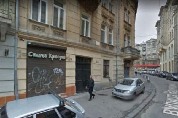 У Львові квартиру в історичному ареалі переобладнають під магазин