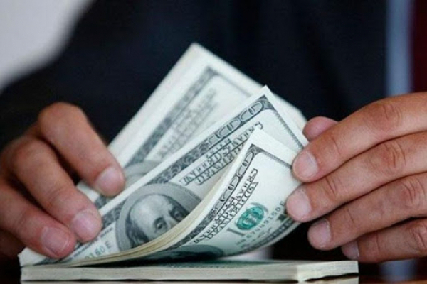 1000 доларів США за зміну запобіжного заходу: у Львові затримали поліцейського