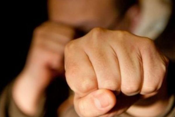 У Львові домашній насильник побив адвоката своєї дружини