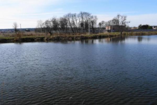 На Львівщині з озера витягнули тіло чоловіка