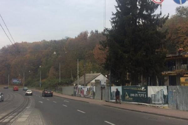 У Львові планують реорганізувати рух та візуально звузити смуги на одній з вулиць