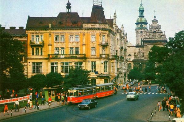 30 років Незалежності: Як змінювався Львів у нелегкі 90-ті