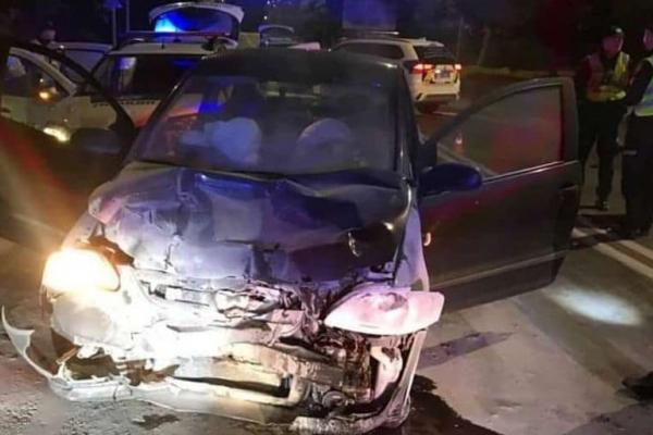 У Львові нетверезий водій врізався у службовий поліцейський автомобіль (Відео)