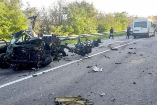 На трасі у Львівській області сталася смертельна ДТП за участю відразу п'яти машин