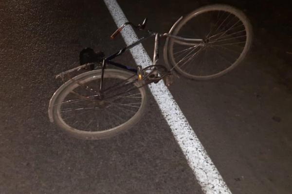 На Львівщині під колесами авто загинув велосипедист