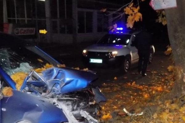 ДТП на Львівщині: п'яний водій не розминувся з деревом